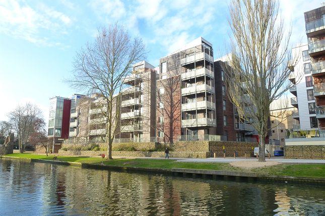 2 bed flat for sale in Geoffrey Watling Way, Norwich