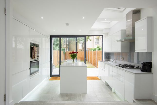Thumbnail Terraced house to rent in Lancaster Road, London