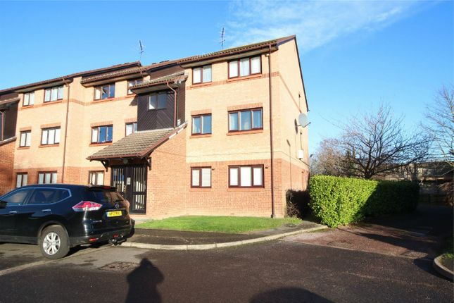 Thumbnail Flat for sale in Chasewood Avenue, Enfield, Middlesex
