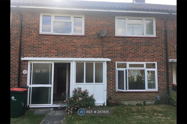 4 bed terraced house to rent in Crossways Close, Crawley