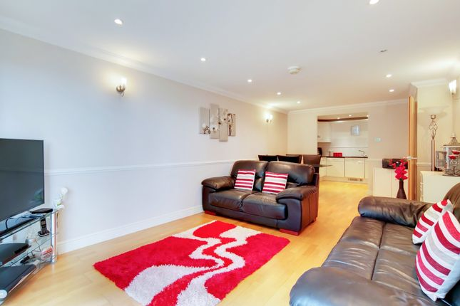 Flat for sale in Stretton Mansions Stretton Mansions, Glaisher Street, Greenwich