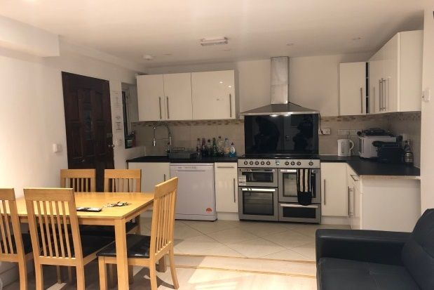 Thumbnail Shared accommodation to rent in Grays Road, Headington, Oxford