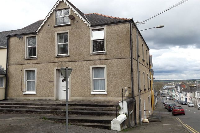 Picture No. 01 of Flat 4, Ashleigh House, Victoria Road, Pembroke Dock SA72