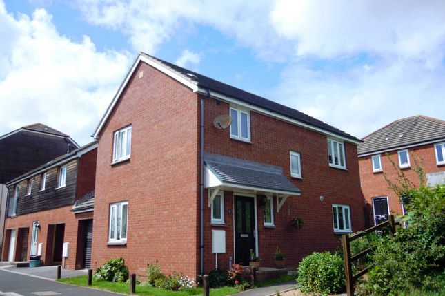 Link-detached house for sale in River Close, Kingsteignton, Newton Abbot