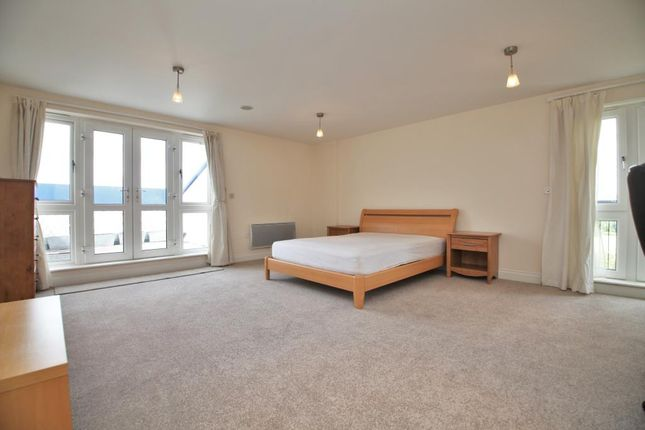 Bedroom 1 of Luscinia View, Napier Road, Reading, Berkshire RG1