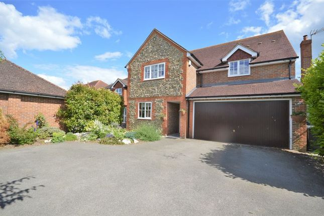Thumbnail Detached house for sale in Lower Icknield Way, Chinnor
