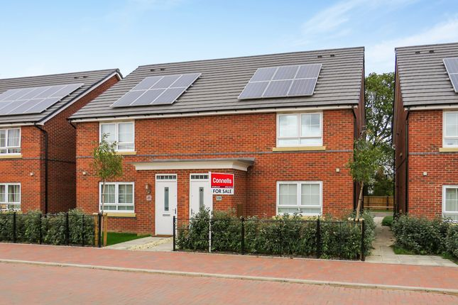 Thumbnail Maisonette for sale in Peregrine Way, Warwick