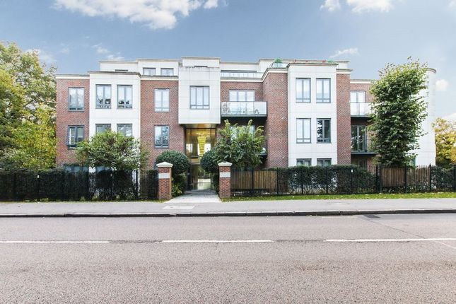 Thumbnail Flat to rent in Eton Heights, Whitehall Road, Woodford Green
