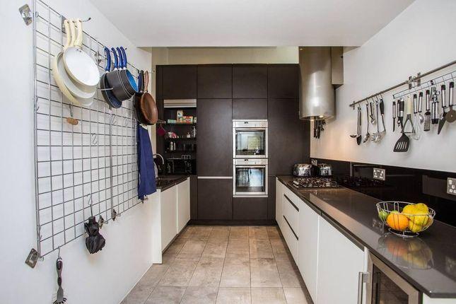 Thumbnail Flat to rent in Gervase Street, London