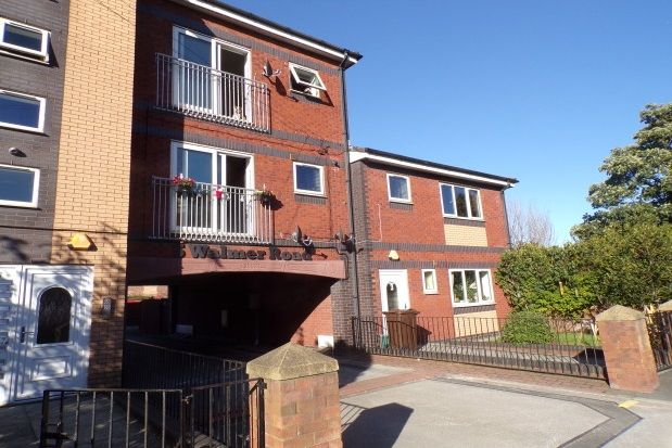 Thumbnail Flat to rent in Walmer Road, Waterloo