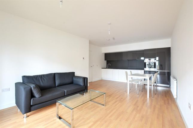 Thumbnail Flat to rent in Evergreen Drive, West Drayton