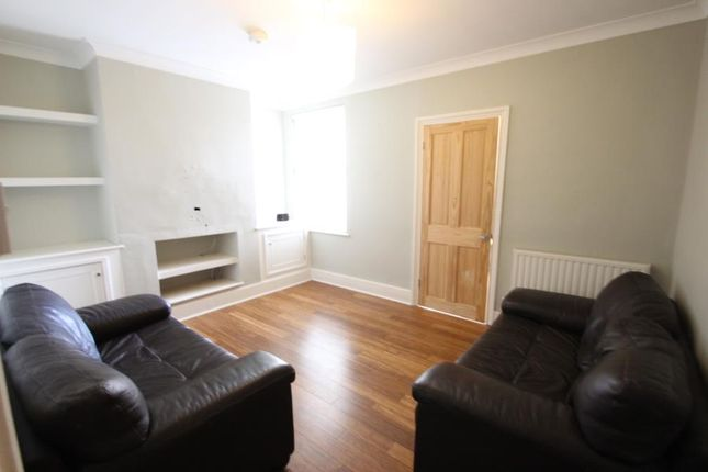 Thumbnail Flat to rent in Florence Road, Maidstone, Kent