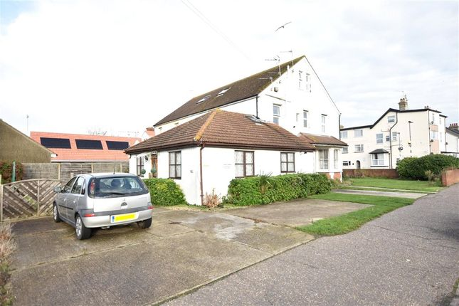 2 bed flat for sale in West Avenue, Clacton-On-Sea, Essex CO15