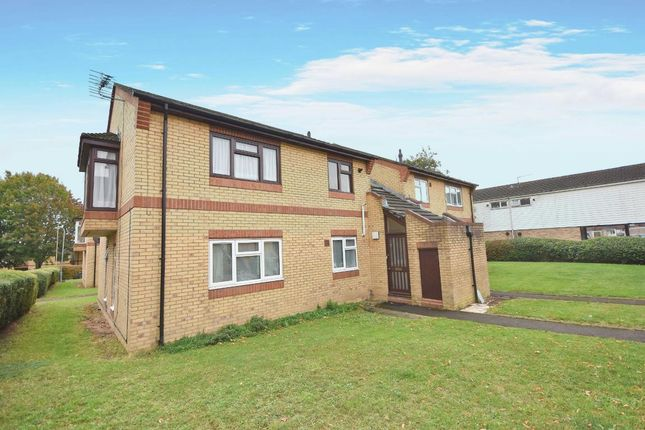 Main Image of Oakridge, Basingstoke RG21