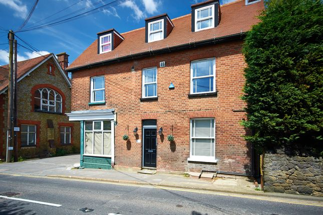 Thumbnail Flat to rent in High Street, Westerham
