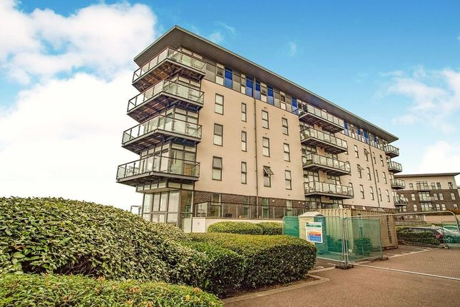 Thumbnail Flat to rent in Carmichael Avenue, Greenhithe