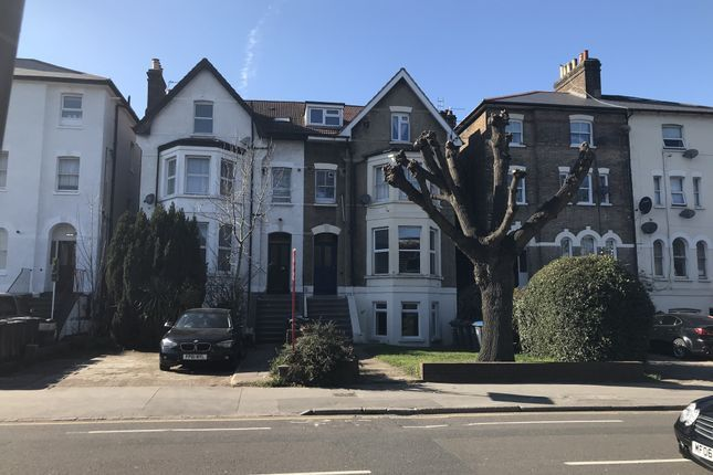 2 bed flat for sale in Selhurst Road, South Norwood SE25