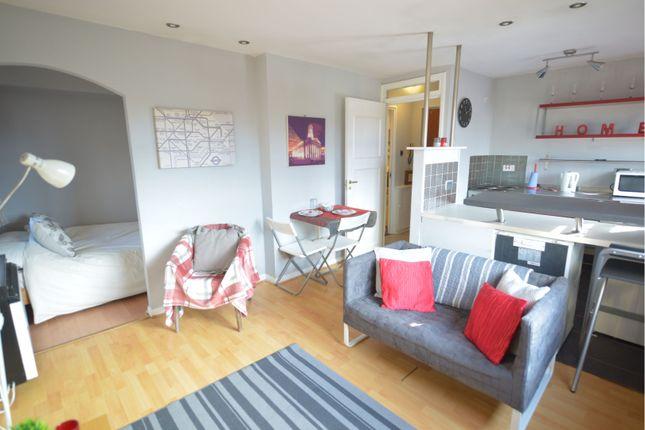 Living Room of Lyoncross Avenue, Barrhead, Glasgow G78
