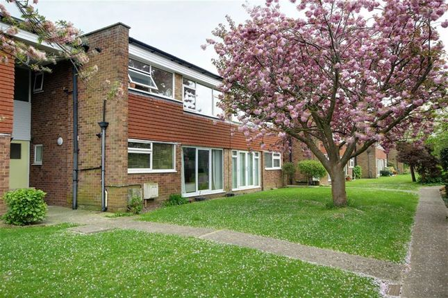 2 bed property for sale in College Gardens, Worthing, West Sussex