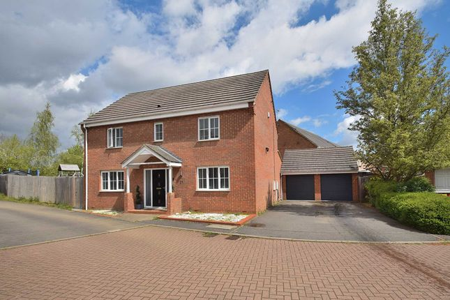 4 bed detached house for sale in Chapmans Drive, Old Stratford MK19
