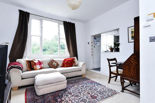 Living Room of Killieser Avenue, London SW2