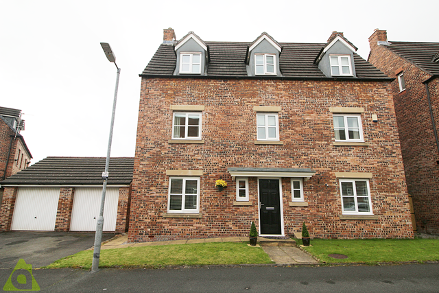 Thumbnail Detached house for sale in Anderby Walk, Westhoughton