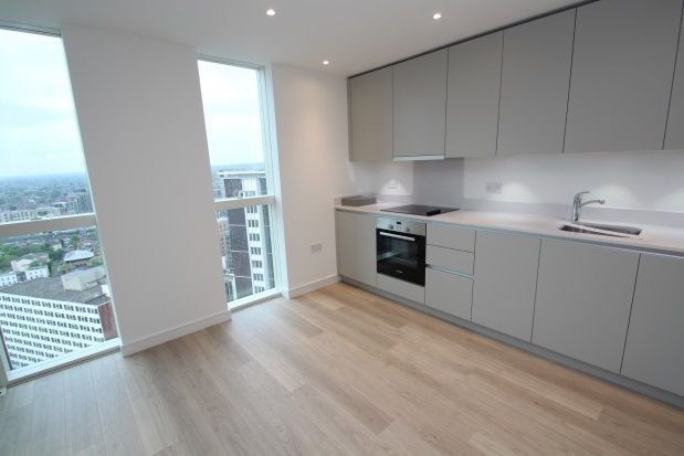 Studio to rent in Saffron Central Square, Croydon