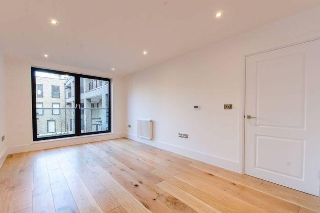 Thumbnail Flat to rent in Axio Way, Bow, London