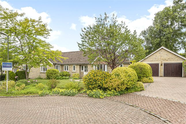Thumbnail Bungalow for sale in Minchinhampton, Stroud