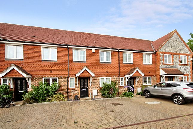 Thumbnail Town house to rent in Chinthurst Mews, Coulsdon