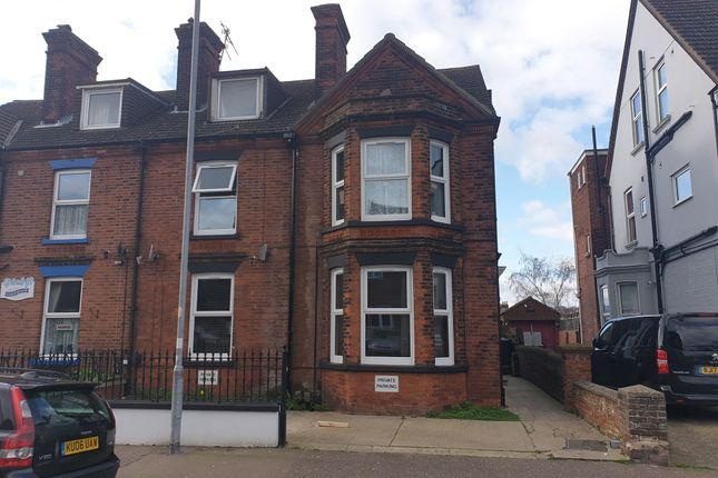 Flat 3, 37 Wellesley Road, Great Yarmouth, Norfolk, Nr30 1EU  (9)