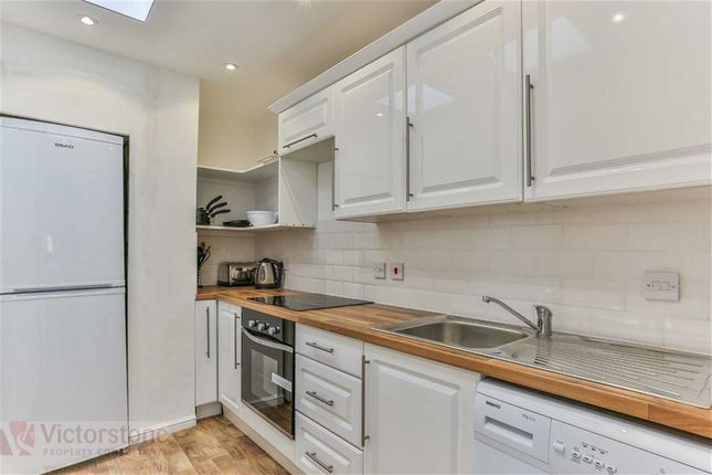 Thumbnail Flat to rent in Danbury Street, Angel, London