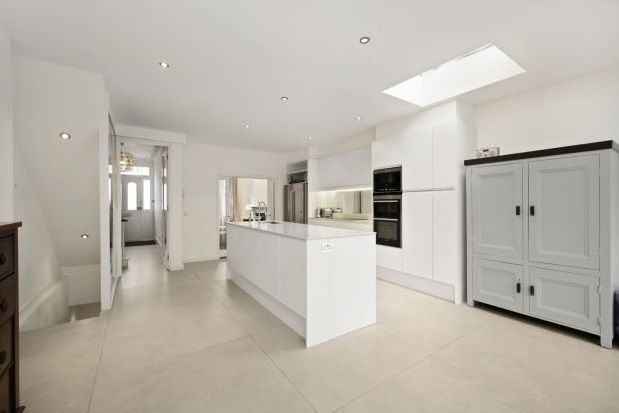 Thumbnail Property to rent in Fulham Park Gardens, London
