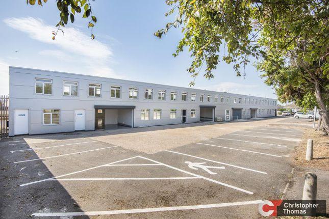 Thumbnail Industrial to let in Unit 4 Windsor Trade Centre, Dedworth Road, Dedworth, Windsor