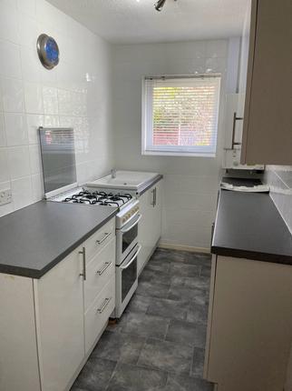 Thumbnail Flat to rent in Cross Hey Avenue, Prenton