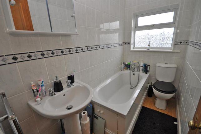 Family Bathroom of Gordon Road, Hailsham BN27