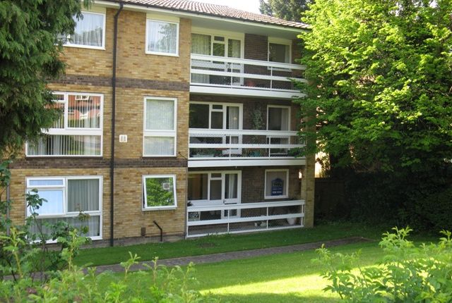 Studio to rent in Stable Court, Croydon Road, Caterham, Surrey CR3