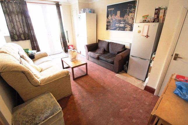 Thumbnail Shared accommodation to rent in Grovesnor Street, Southsea
