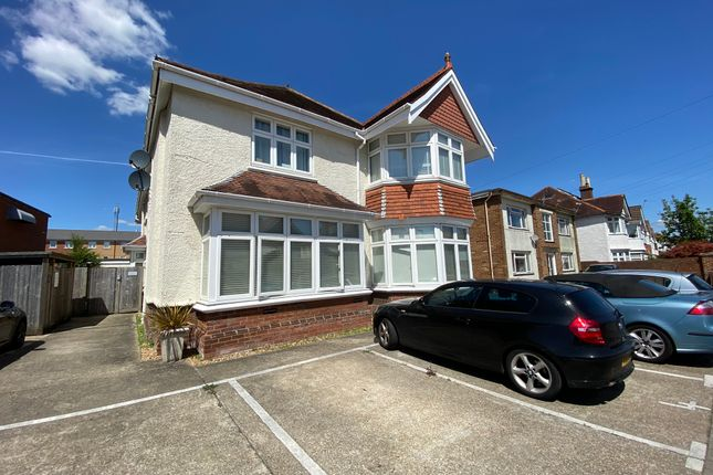 Thumbnail Flat for sale in 2 Newlands Avenue, Shirley Southampton
