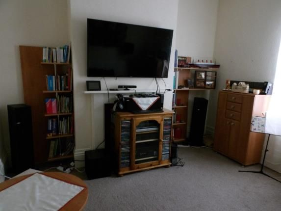Living Room of Crompton Street, Derby, Derbyshire DE1