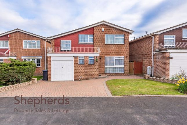 Thumbnail Detached house for sale in Broom Close, West Cheshunt, Hertfordshire