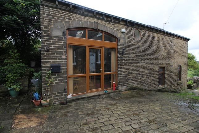 Thumbnail Barn conversion for sale in Cliffe Lane, Thornton, Bradford