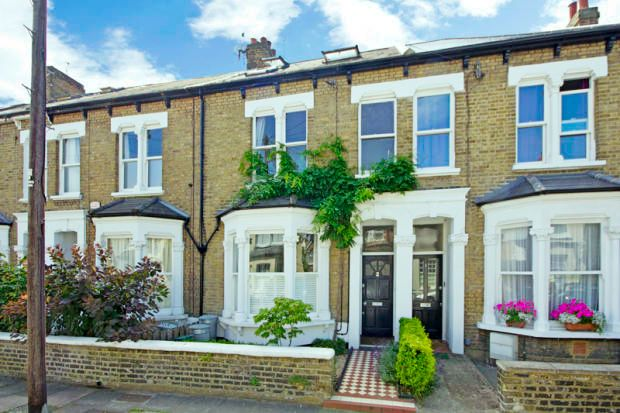 Thumbnail Flat to rent in Beechcroft Road, London