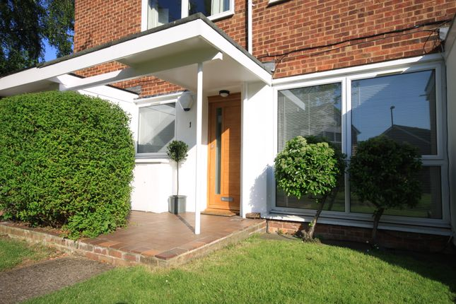 Thumbnail Flat for sale in Heathlee Road, Blackheath