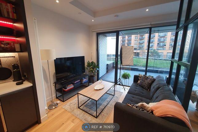 Thumbnail Studio to rent in City Island Way, London