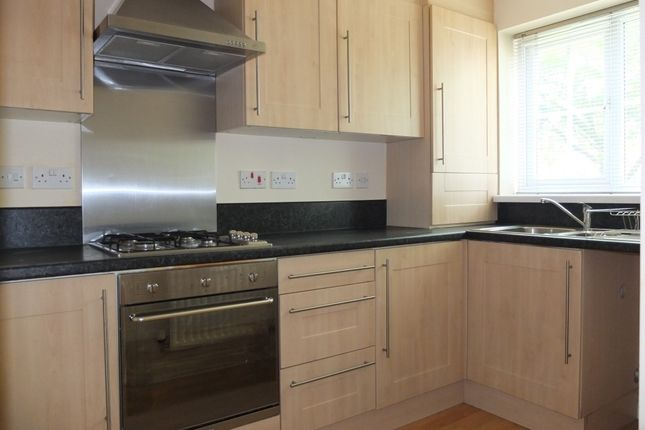 Thumbnail Town house to rent in Baldwins Close, Royton, Royton, Oldham