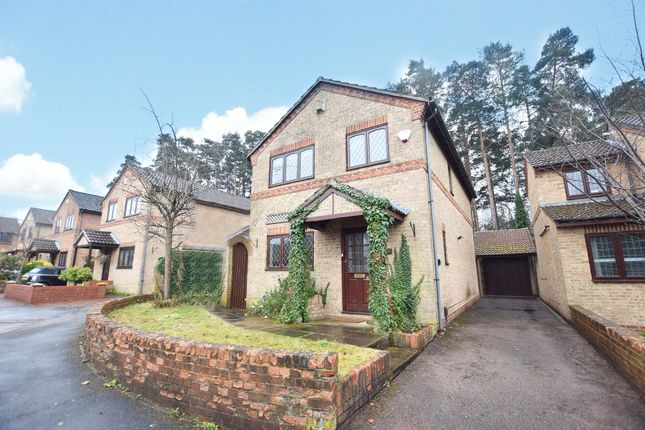 Thumbnail Detached house to rent in Chesterblade Lane, Bracknell, Berkshire