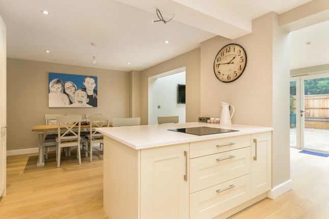 Thumbnail Town house to rent in Crossways, Beaconsfield