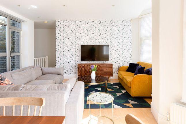 Thumbnail Town house to rent in Northington Street, London