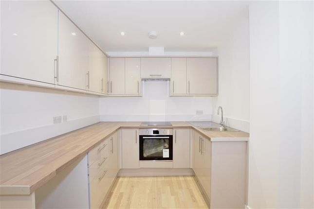 Thumbnail Semi-detached house to rent in Farningham Road, Crowborough